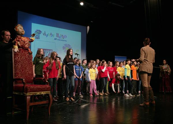 Hor Mala polifonija - ucesnici u programu povodom dodjele nagrade Princ Dječijeg carstva